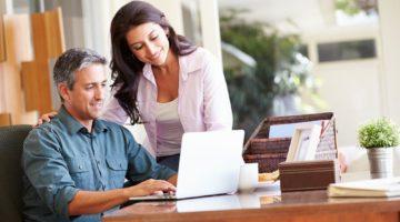 couple-working-on-blueprint